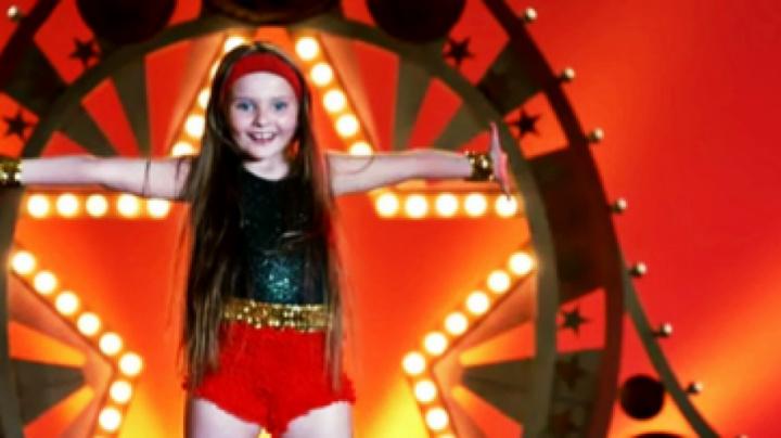 Abigail Breslin on her epic 'Sunshine' dance