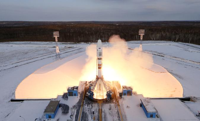 The Souyz-2 spacecraft with Meteor-M satellite and 18 additional small satellites launches from Russia's new Vostochny cosmodrome, near the town of Tsiolkovsky in Amur region, Russia November 28, 2017. REUTERS/Stringer     TPX IMAGES OF THE DAY