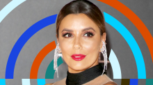 Eva Longoria Did What Any Of Us Would When Posing In The Middle Of A Group Of Models