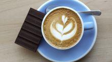 Neue Studie belegt, man lebt länger mit Kaffee und Schokolade