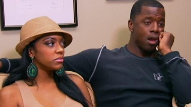 Ex-NFL Player's Wife Learns of Divorce on Twitter