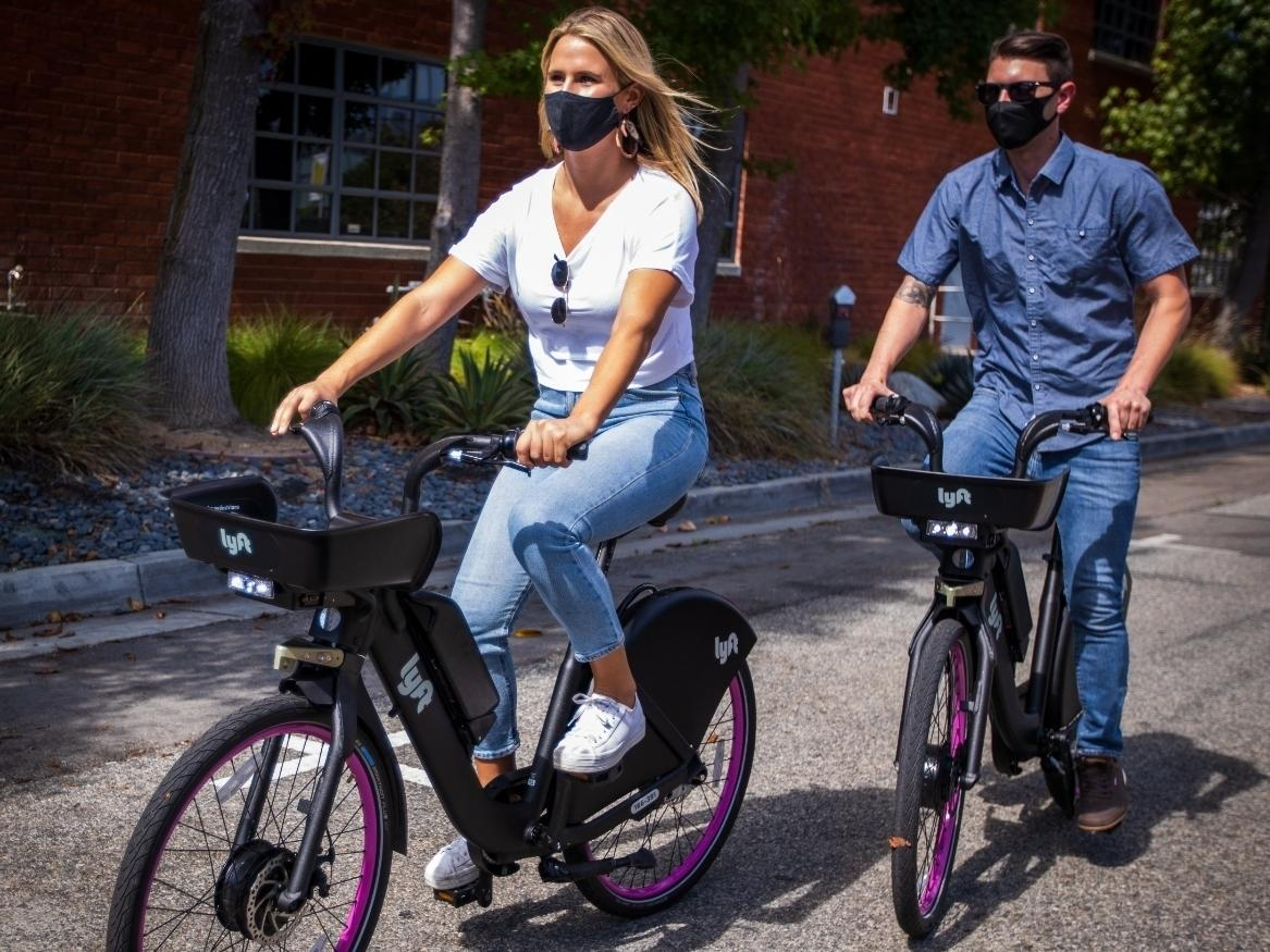 Lyft is introducing a bicycle sharing program with the city of Santa Monica.