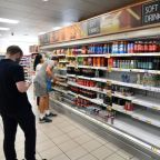UK 'pingdemic' prompts warnings of supermarket shortages