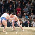 Trade beef aside, Trump and Abe bond over burgers, sumo and golf