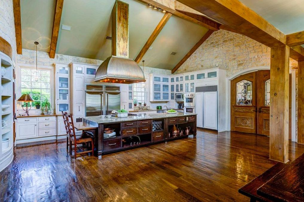 <p>The wide-open kitchen, complete with two side-by-side refrigerators and a massive range hood, is perfect for Cavallari, an enthusiastic home chef and cookbook author.</p>