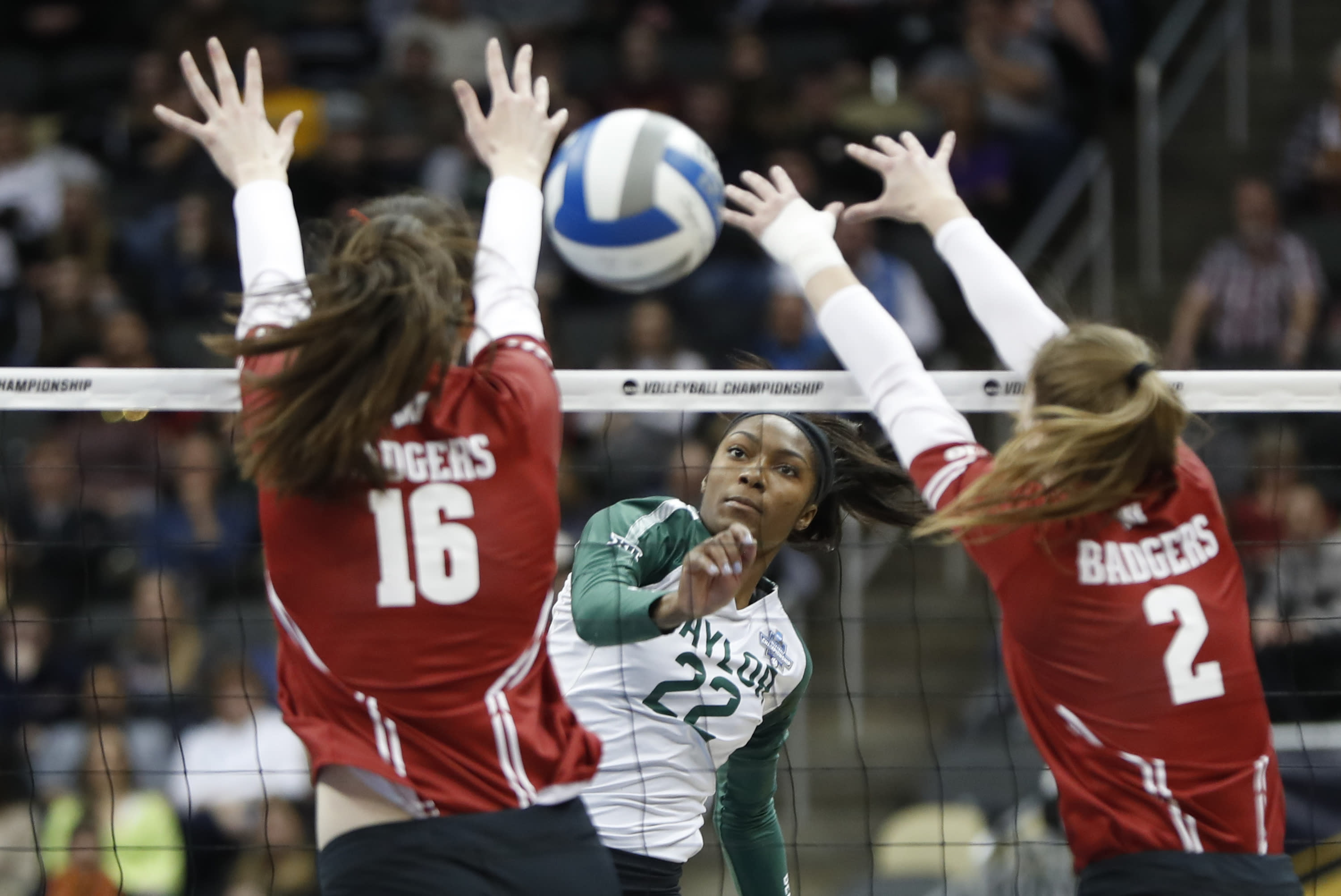 Badgers Volleyball beat Baylor, advances to National Championship Game
