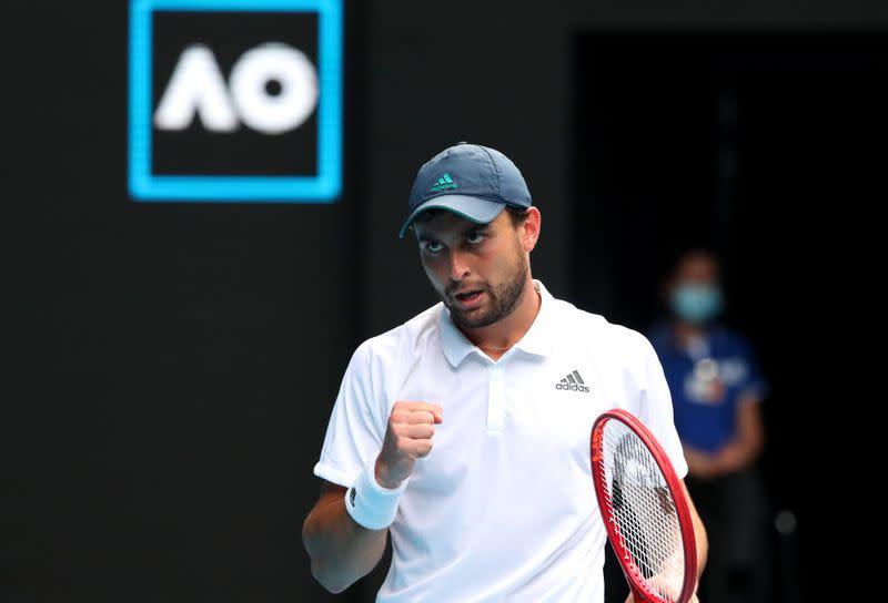 Qualifier Karatsev stuns Dimitrov in order to reach the semifinals in Melbourne
