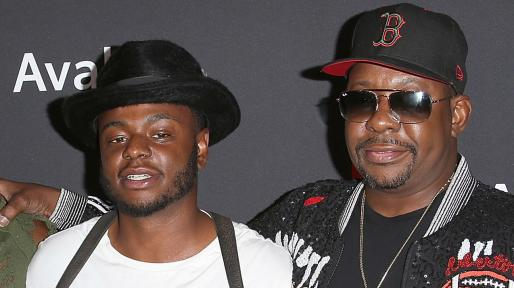 Bobby Brown jr, hijastro de Whitney Houston, con su padre. Foto: Yahoo