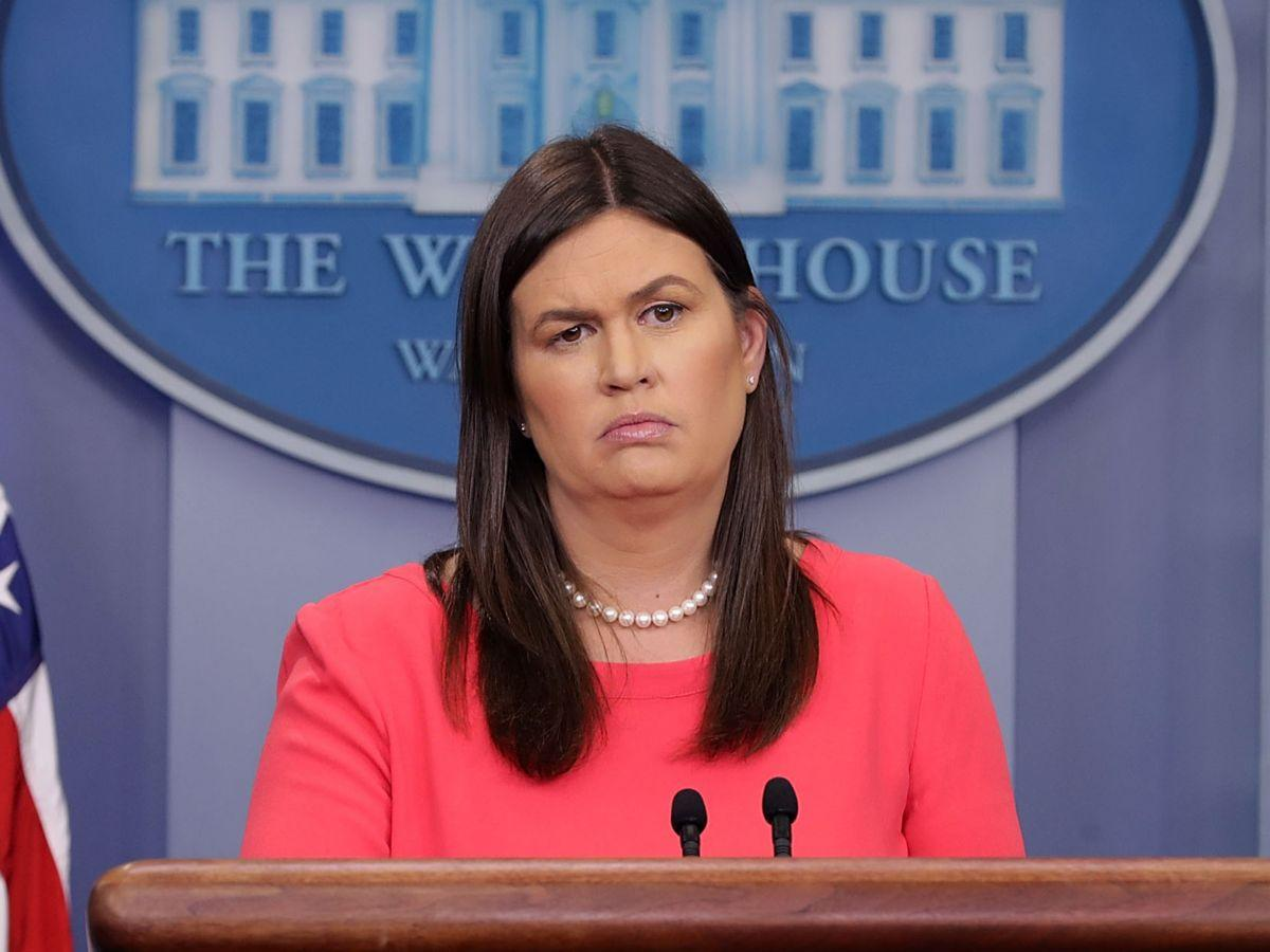 Body Language Experts Tell Us Exactly When Sarah Huckabee Sanders Is Lying