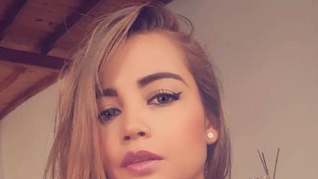 Niñas lesbianas con viejas porno Colombiana Iba Para Monja Y Acabo Como Actriz Porno
