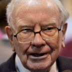 Buffett appears to fault Trump, laments M&A dearth in Berkshire letter