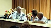 Fidel Castro makes first appearance since historic announcement