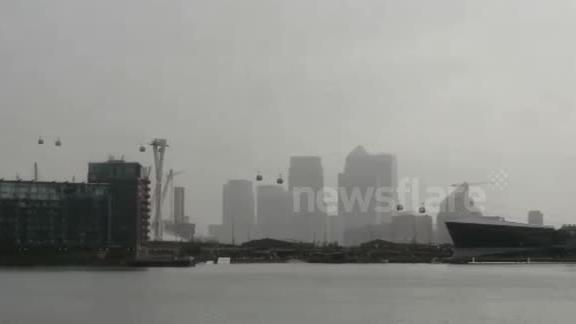 The Thames Cable Car Shut Down due to Heavy Storm weather