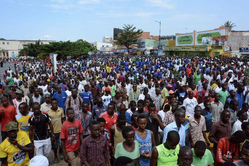 Burundians hold a rally in Bujumbura to show solidarity with the government's opposition to the appointment by the UN Human Rights Council of three investigators to look into human rights violations in the east African nation (AFP Photo/ONESPHORE NIBIGIRA)