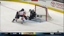 Jonathan Quick stretches out to deny Schenn