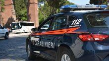 Napoli, investe con l'auto 6 persone: morta una 27enne