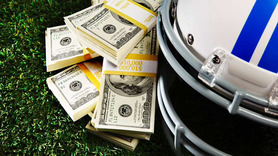 How investing in the stock market is just like fantasy football