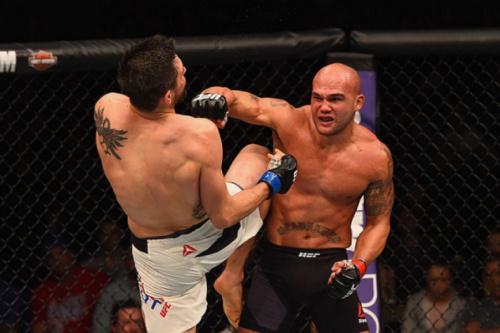 Robbie Lawler retorna ao octógono contra Donald Cerrone, no UFC 213