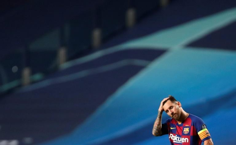 Argentina president calls on Barcelona star Messi to accept Newell's homecoming