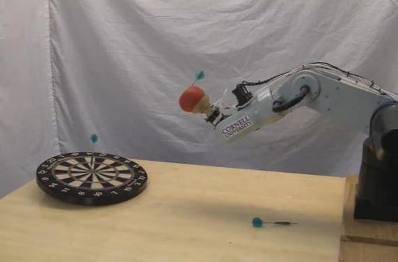Universal robot gripper sinks shots, throws darts, makes us feel inadequate (video)