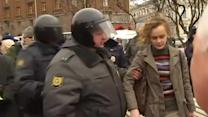 Protesters in Russia clash over military action in Crimea