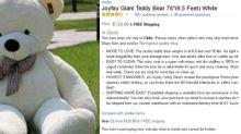Desilusión XXL: oso de felpa gigante se vuelve viral por un muy curioso detalle físico