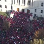 Indiana teachers protest over wages