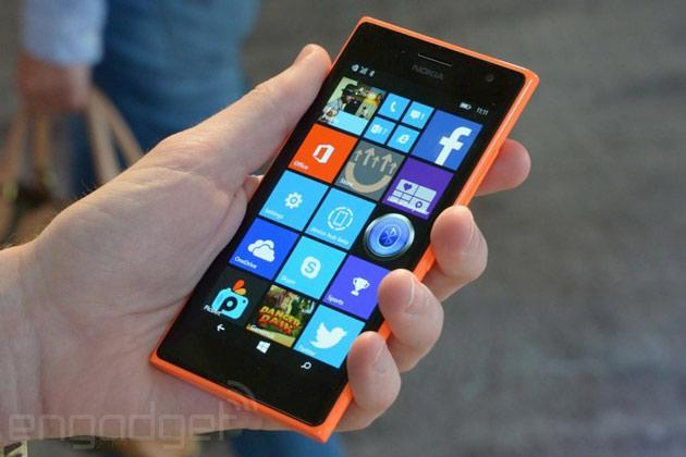 Microsoft's Lumia 735 'selfie phone' launches in the UK
