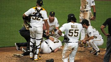 Pirates pitcher collapses from pain in arm