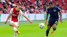 Jovem lateral do Ajax está na mira do Barcelona, que deve negociar Semedo