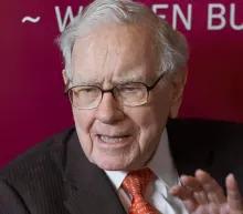 Warren Buffett warns investors not to gamble on stocks