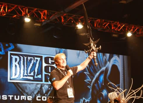 Jay Mohr grabs Sword of Frostmourne, kills 12 at BlizzCon