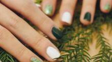 Pintar as unhas com cores diferentes é a nova moda