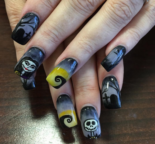 "9 sets of ""The Nightmare Before Christmas"" nails that are scary fabulous"