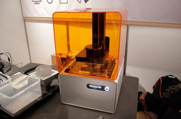 Formlabs FORM 1 high-resolution 3D printer spotted in the wild, we go eyes on (video)