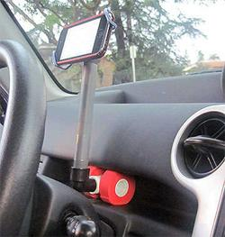 DIY smartphone car dock: 10 minutes, $2, and worthy of a MacGyver sense of accomplishment