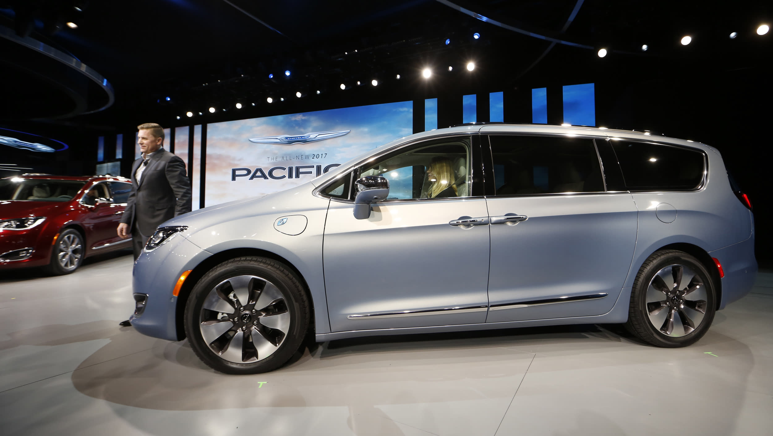 Timothy Kuniskis, Head of Passenger Car Brands - Dodge, SRT, Chrysler and FIAT, FCA - North America, introduces the 2017 Chrysler Pacifica minivan at the North American International Auto Show in Detroit, January 11, 2016.   REUTERS/Mark Blinch