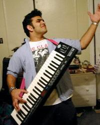 Rock Band 3 purportedly gaining keytar peripheral, infinite amounts of our love