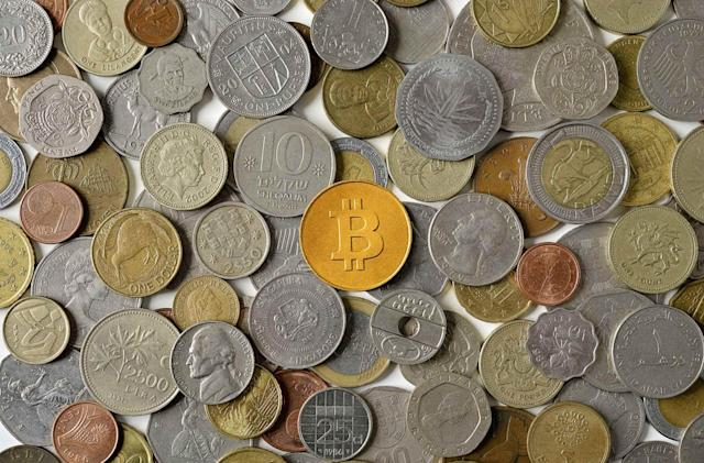 Bitcoin plummets to its lowest value in over a year