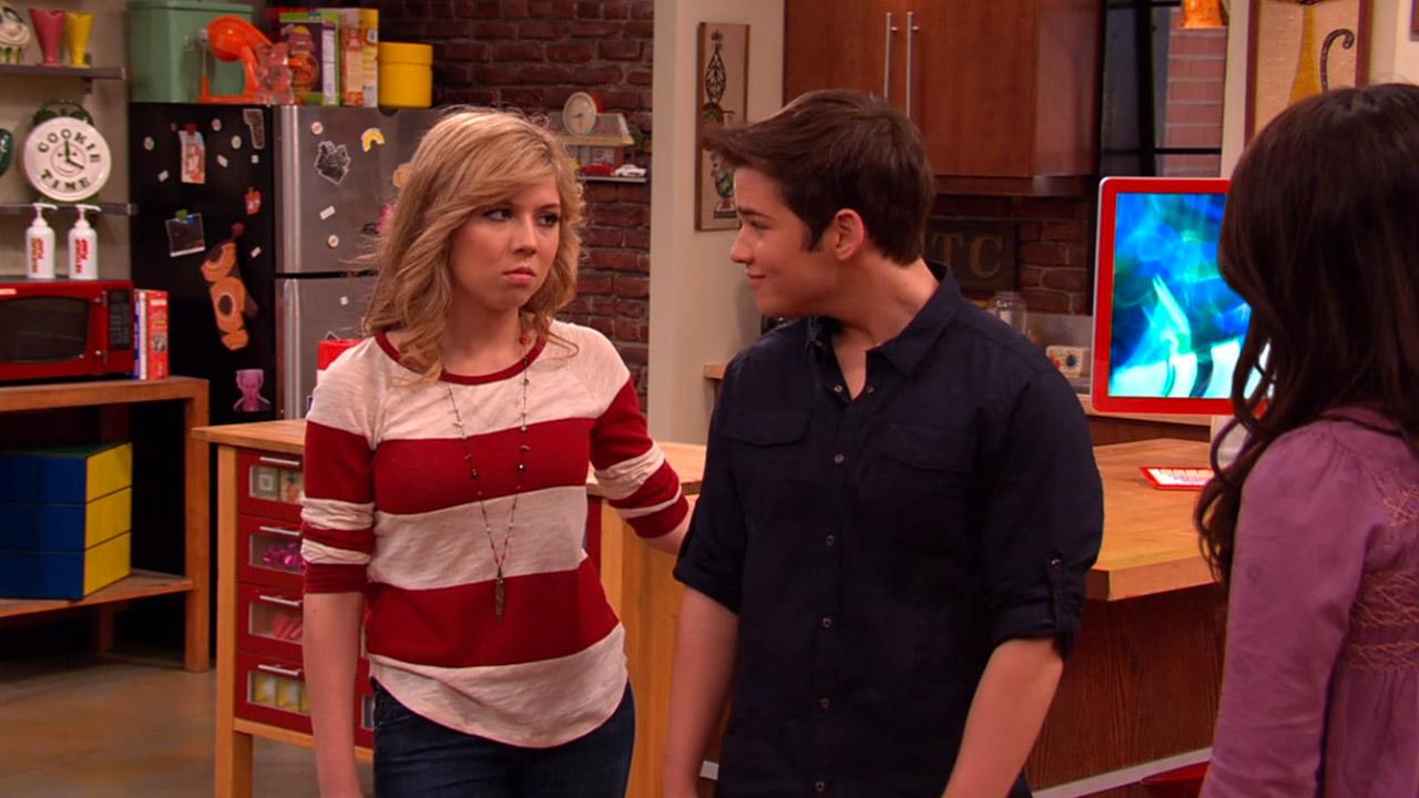 "This ""iCarly"" Star Had A Baby, And Now We Feel So Old"