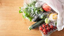 Was tun deutsche Discounter und Supermarkt-Ketten im Kampf gegen Plastik?