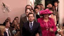 El elenco de The Office recreó un icónico baile para sorprender a una pareja de recién casados
