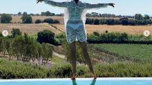 Barbara D'Urso, vacanze da single e fisico perfetto