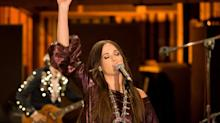 See Kacey Musgraves Sing 'These Boots Are Made for Walking'