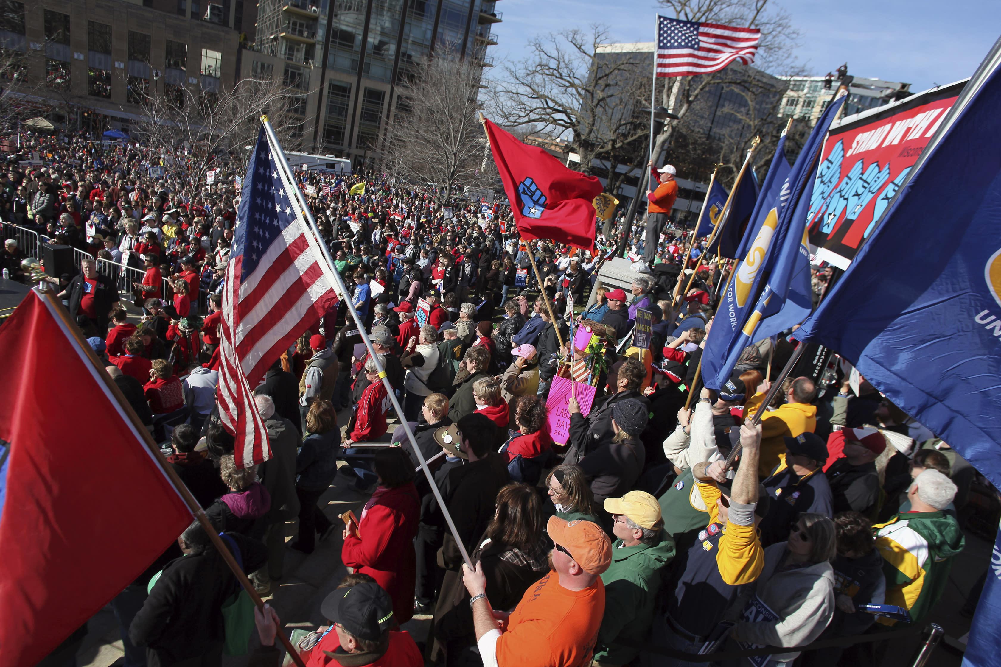 Trump impeachment drive has similarities to Wisconsin recall