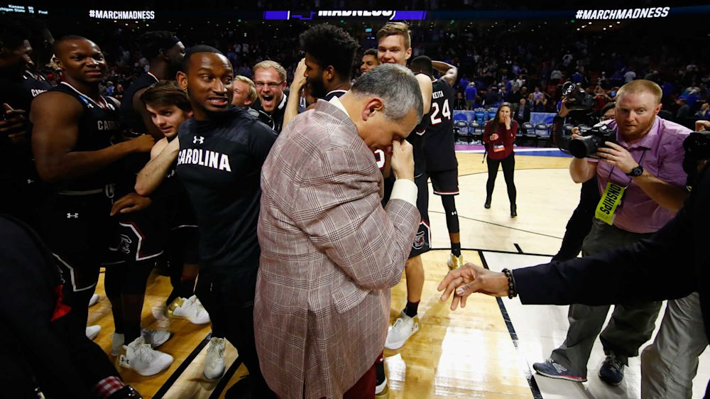 South Carolina coach Frank Martin addresses Confederate flag protesters