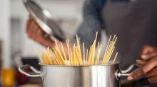 Das Loch in deinem Spaghettilöffel hat tatsächlich einen Zweck