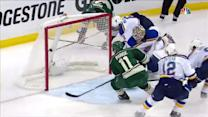 Parise chips home rebound behind Elliott