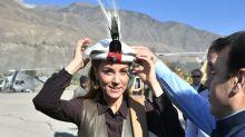 William und Kate tragen traditionelle Chitrali-Hüte – genau wie einst Prinzessin Diana