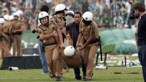 Seis torcedores são condenados por pancadaria de 2009 no Couto Pereira